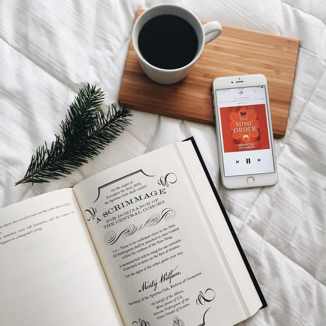 Epingle Par Antigone Est Malade Sur Inspiration Books Design Blog Idee Photo Flatlay