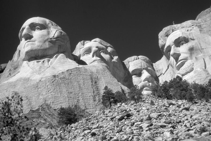 http://images.fineartamerica.com/images-medium-large/mount-rushmore-black-and-white-arts-prints-posters.jpg