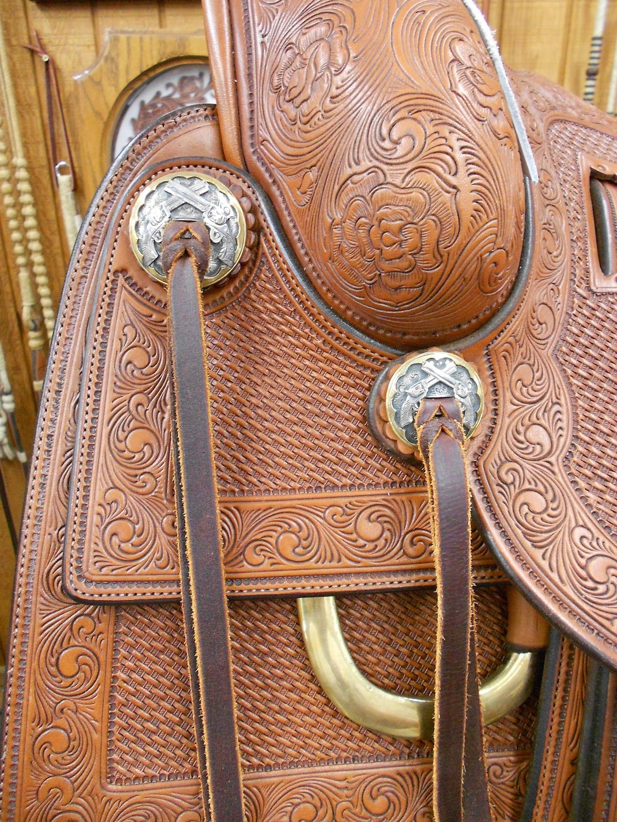 Guns & Roses Saddle on display. Amazing detail in both leather & silver ...  rodeotalesgypsytrails.blogspot.com