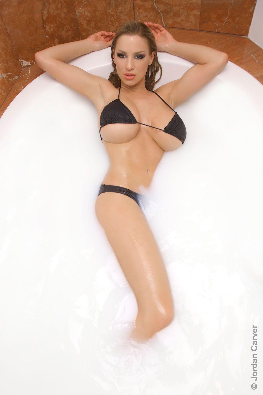 Nude skinny interracial lesbians