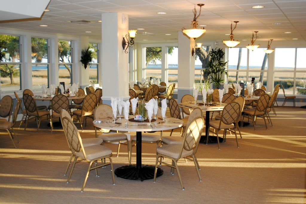 Beaufort Weddings - Simple and elegant table setting for a