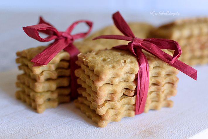 rezept parmesan karottensaft kekse f r hunde hundeleckis pinterest. Black Bedroom Furniture Sets. Home Design Ideas