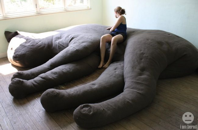 Giant Stuffed Cat Couch Craziest Gadgets Cat Couch Giant Cat