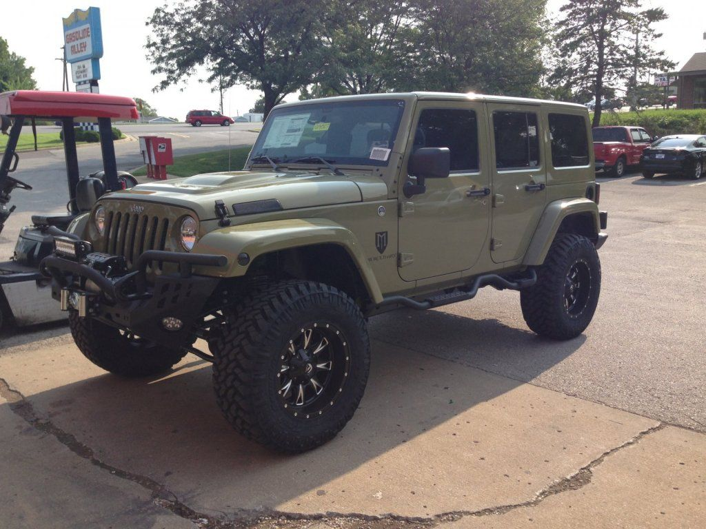 Jeep jk nitto 35 x 12 50 x 20 trail grapplers and 4 zone of road