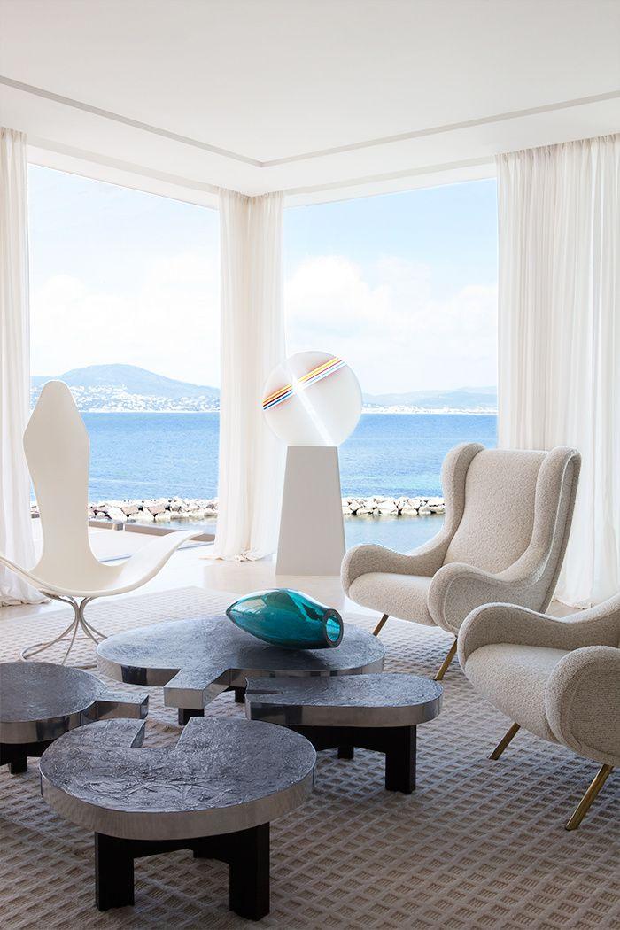 Une villa saint tropez le design d 39 int rieur modern apartment design apartment design - Salon saint tropez but ...