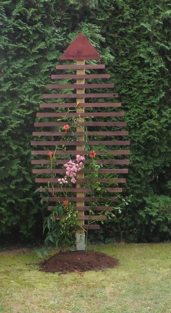 Rank Aid For Plants With Engraving Diy Garden Trellis Garden Furniture Garden Boxes Diy