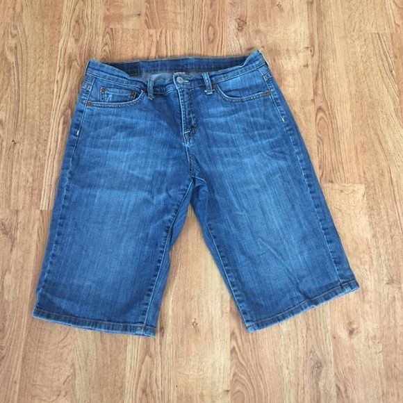 30 Lucky Brand Shorts This is a pair of preowned knee length lucky brand shorts. They have been well cared for. No holes or stains. Price firm unless bundled. Please use bundle button to receive discount. Lucky Brand Shorts Jean Shorts