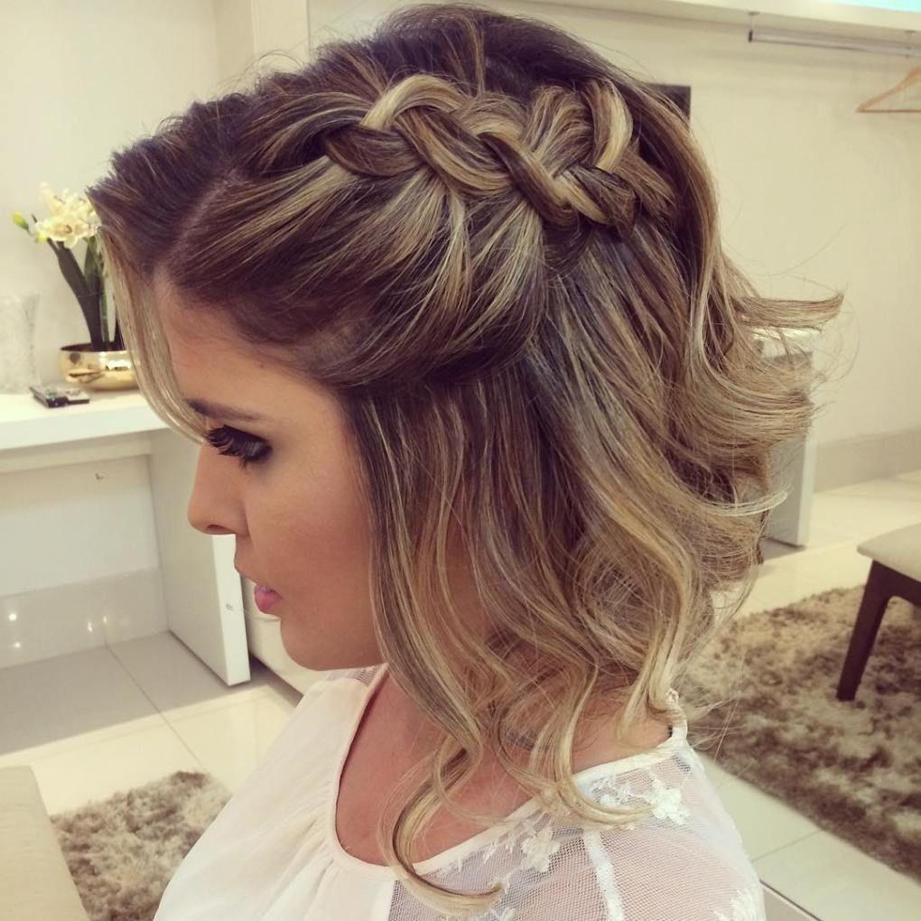 Elegante Prom Frisuren Fur Kurze Gewellte Haare Frisuren Ideen