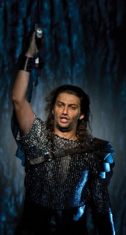 jonas kaufmann as Siegmunt in Wagner's Walkyre in MET | Opera ...