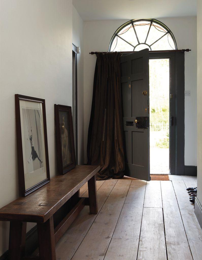peindre son couloir en couleur l astuce d co parfaite pour looker son int rieur elle. Black Bedroom Furniture Sets. Home Design Ideas