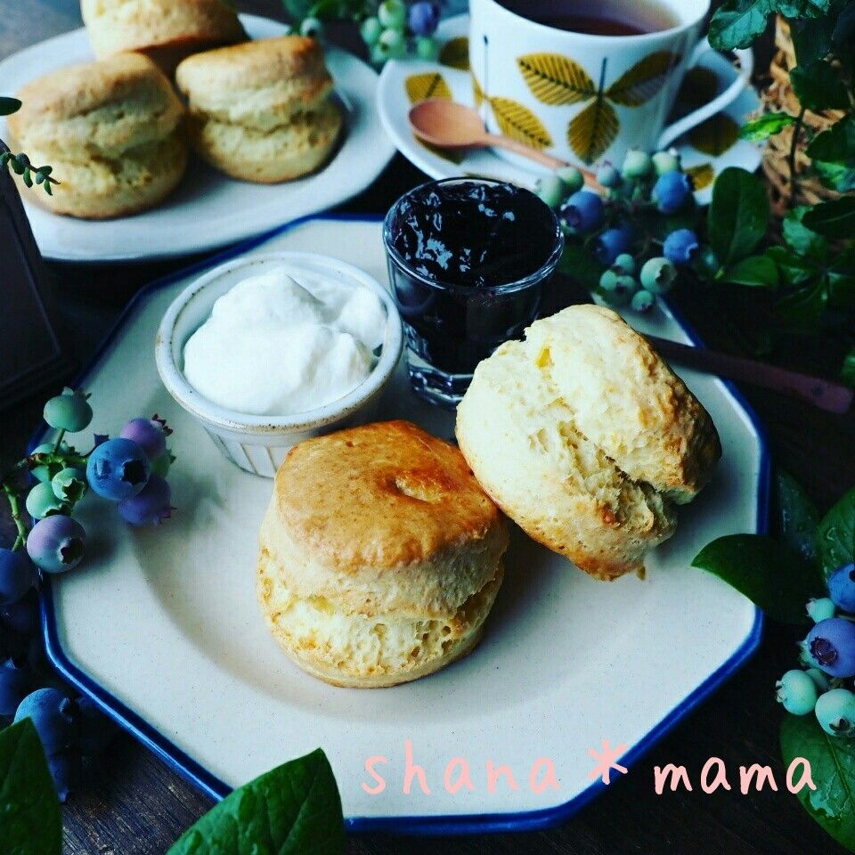 Photo of しゃなママ『スコーン色々❤と、さっくりしっとりたまらな~い❤しっかり腹割れ英国風スコーン♪』