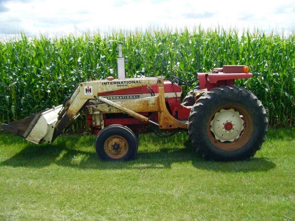 International 656 Tractor With Loader : Ih utility w loader inter farmall fourdrive
