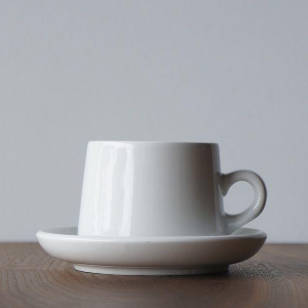 80年代のアメリカンダイナーを彷彿とさせる おしゃれなカップ ソーサー セラミック皿 カップデザイン コーヒーカップ