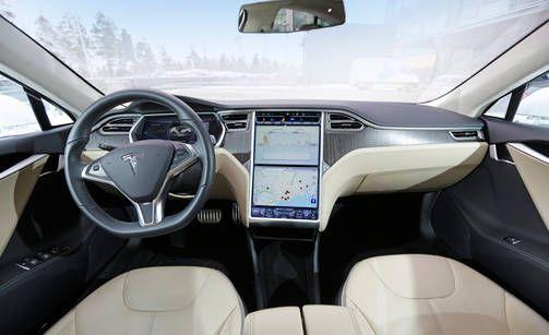 Teslan ohjaamo.