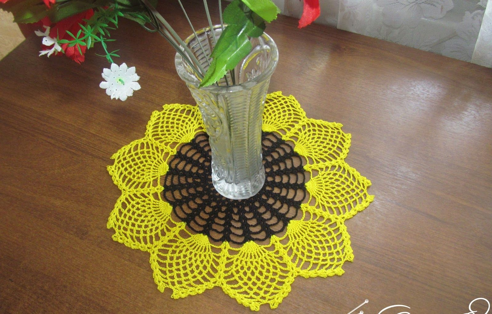 Free crochet patterns and free video tutorials | Crochet Doilies ...