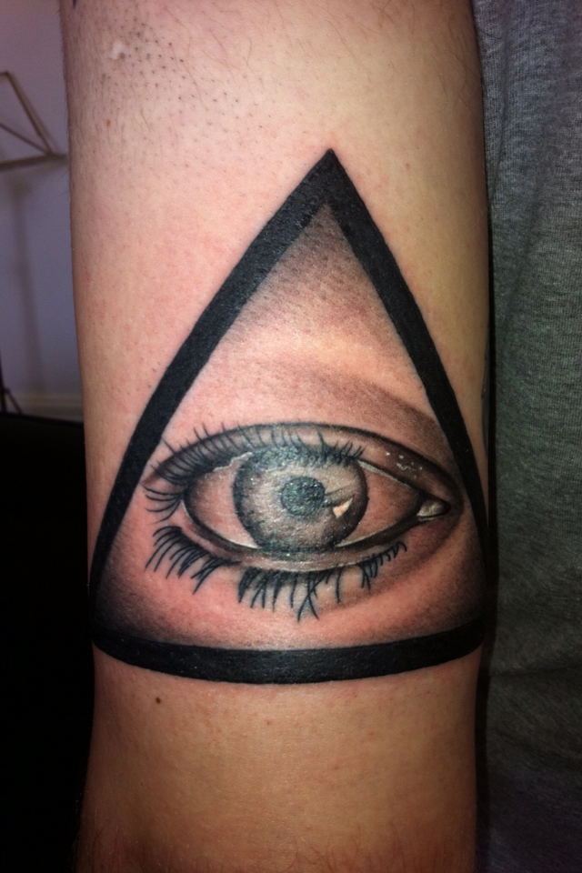 Illuminati Eye Tattoo Meaning Black and White Illumi...