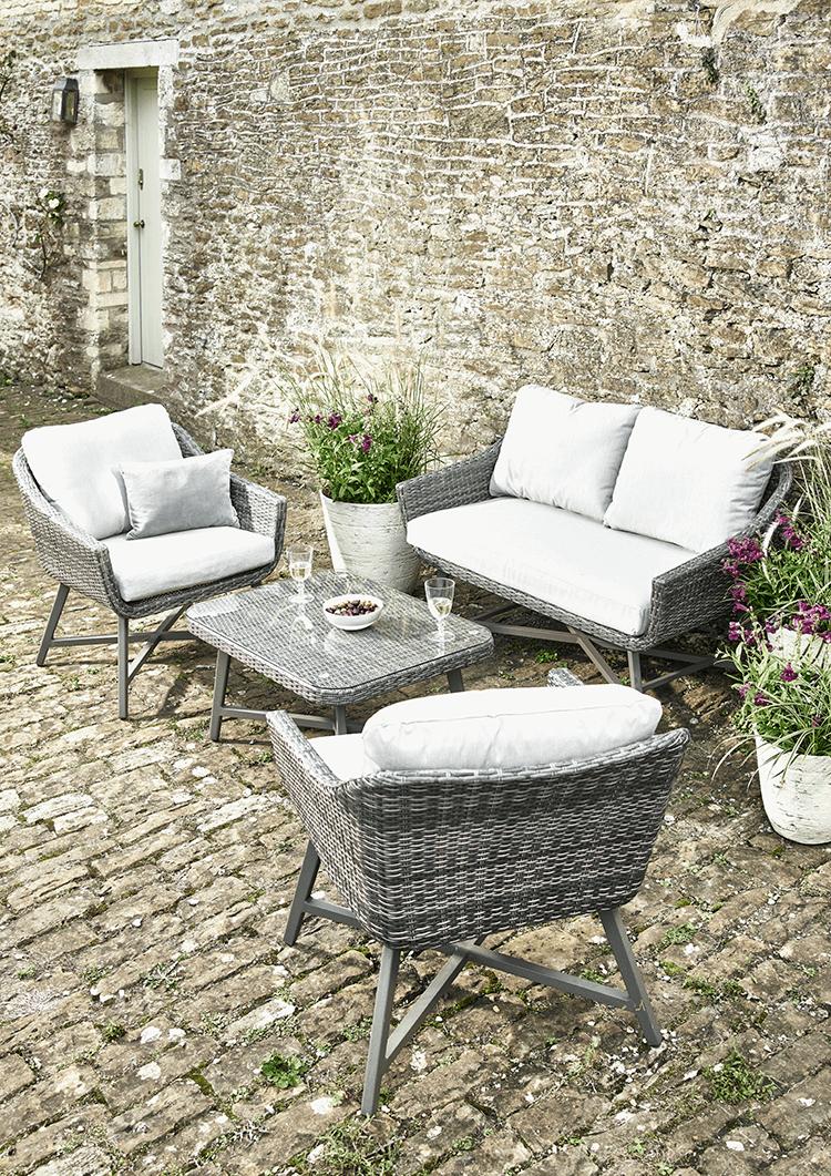 New capri lounge set waterproof wicker aluminium sofa 2 chairs coffee table £1200