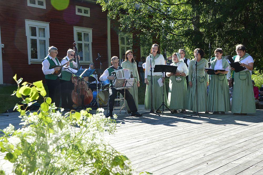 Iin laulupelimannit on perustettu jo vuonna 1970.