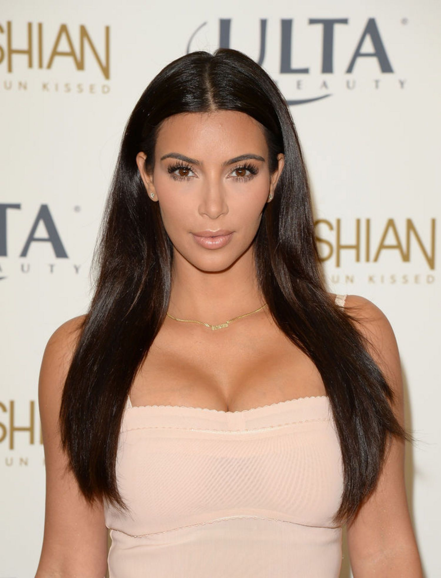 The Celebrity Hair Secrets Hair Extensions Ever Wonder How Resse