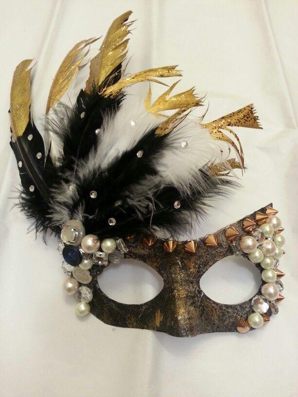 Diy Masquerade Mask Those Feathers Tho Masquerade Diy Mask Mascarade Mask