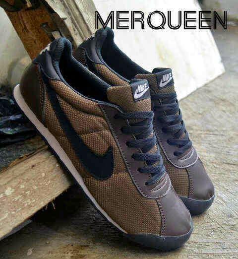 Sepatu Casual Nike Merqueen Coklat Hitam KWSuper @160rb. Kode : Nike Merqueen Coklat Hitam. Grade : KW Super. Ukuran : 39-44 - Hub : 0857-0668-0768 atau 7E846C86