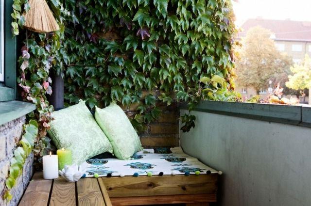 Wind Und Sichtschutz Fur Balkon Mit Blumen Und Kletterpflanzen Mit Bildern Balkon Im Freien Sitzecke Mobel Aus Paletten