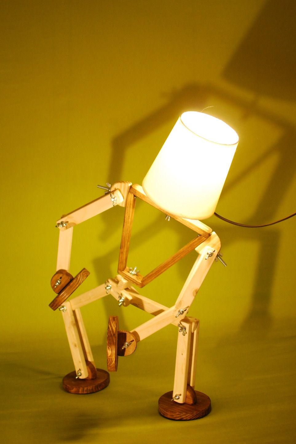 Lampe articulée Monsieur en bois ( pin douglas )