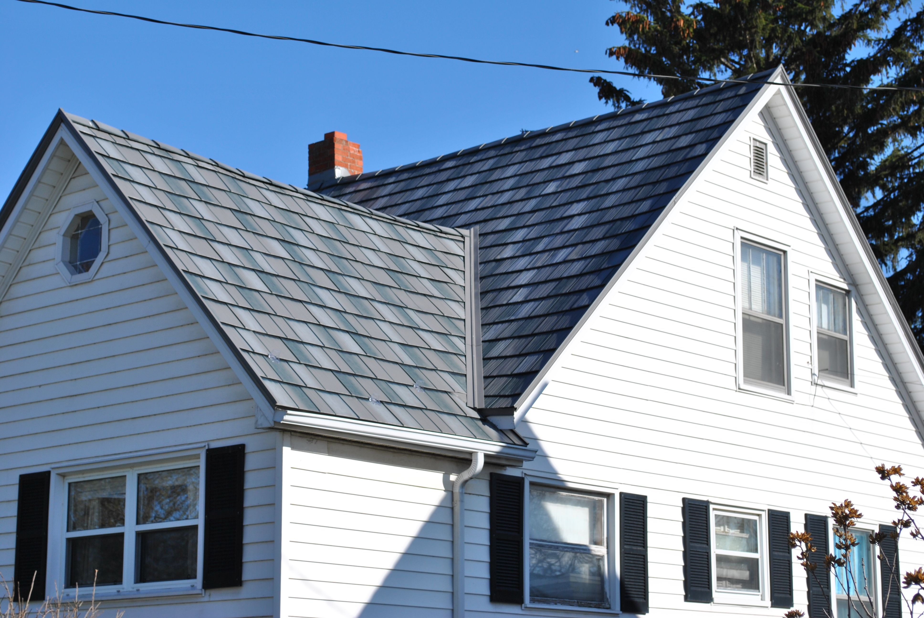 Lovely Leamington Ontario Home With Permanent Metal Roofing In Charcoal Grey Shake Metal Roof Roofing Outdoor Decor