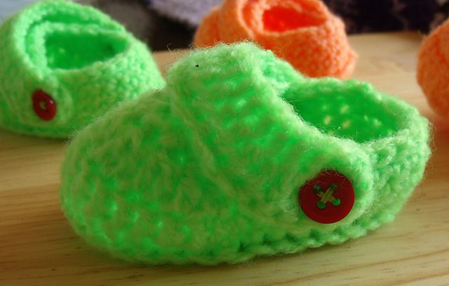 Ravelry: Crochet Baby Crocs pattern by Jenny Lawson | Crochet ideas ...