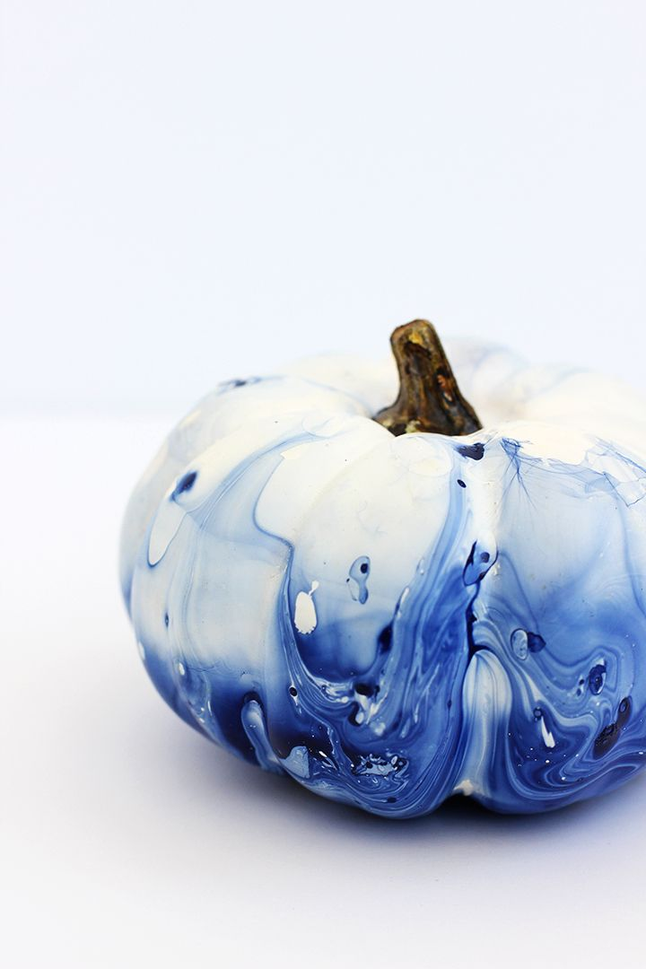 DIY Marbled Indigo Pumpkins for Autumn and Halloween decorations