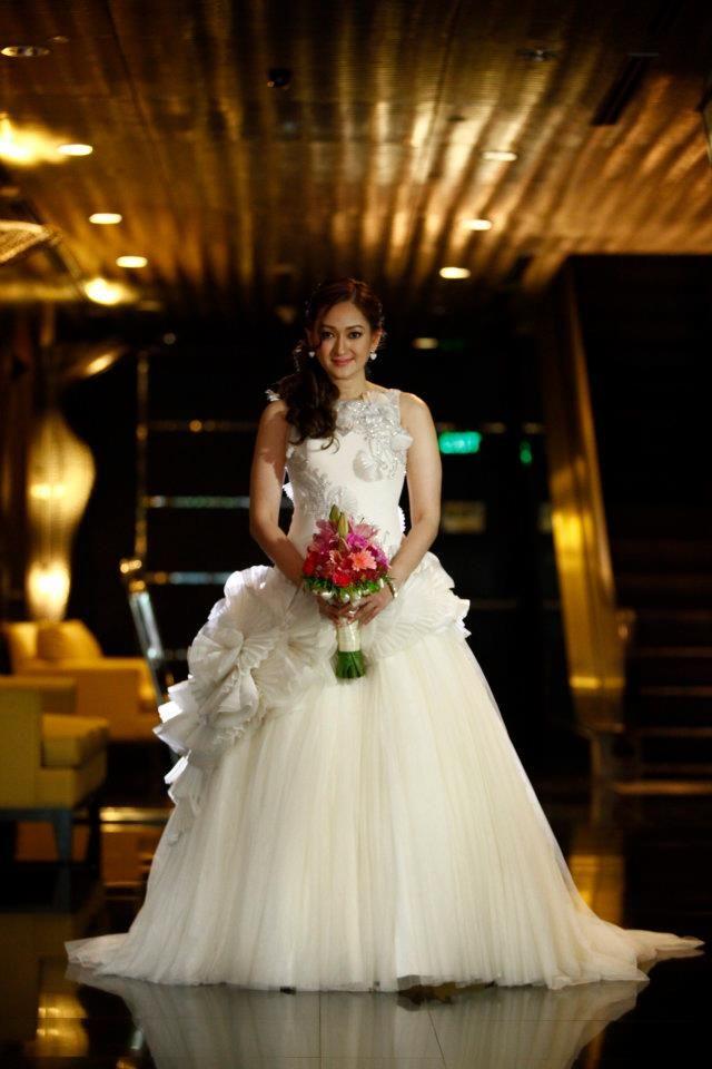 Real Bride wearing Francis Libiran Ball Gown | Sleeveless Wedding ...