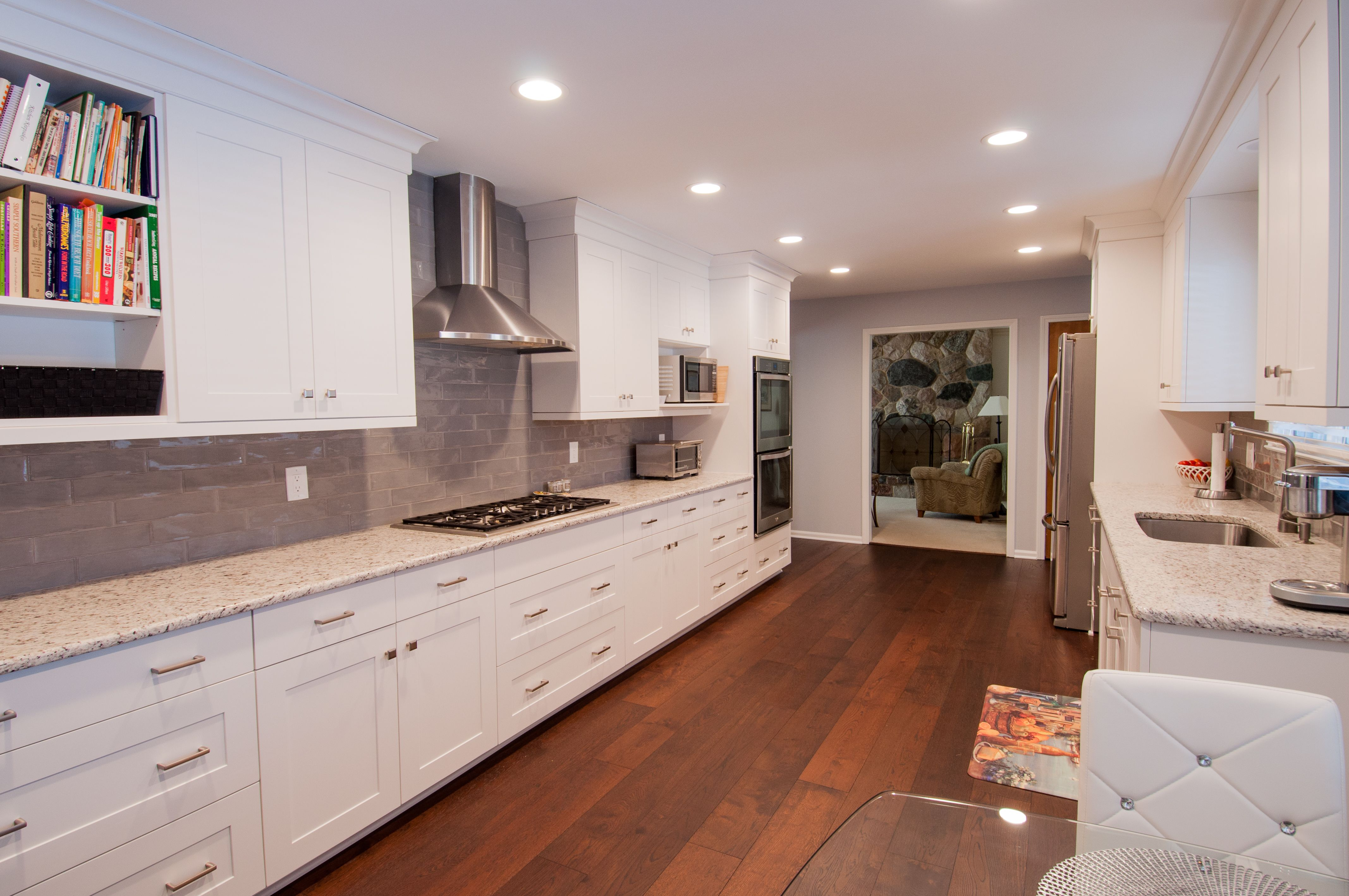 A Beautiful Kitchen For Another Happy Lafata Customer We Absolutely Love How This Kitchen Turned Out Custom Cabinets Kitchen Design Beautiful Kitchens