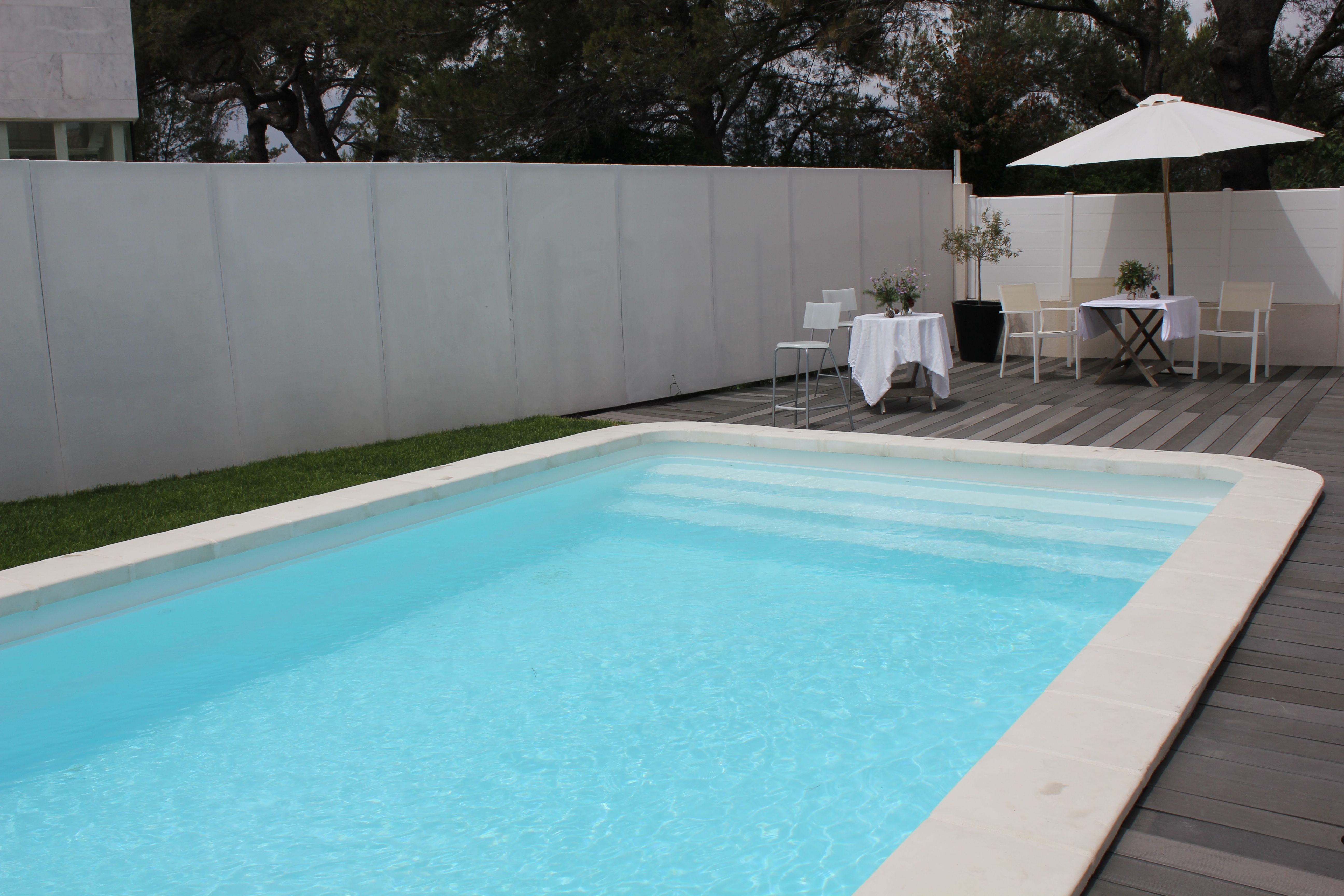 Piscine Coque 8.27X4.20X1.50 M BORDEAUX Pure