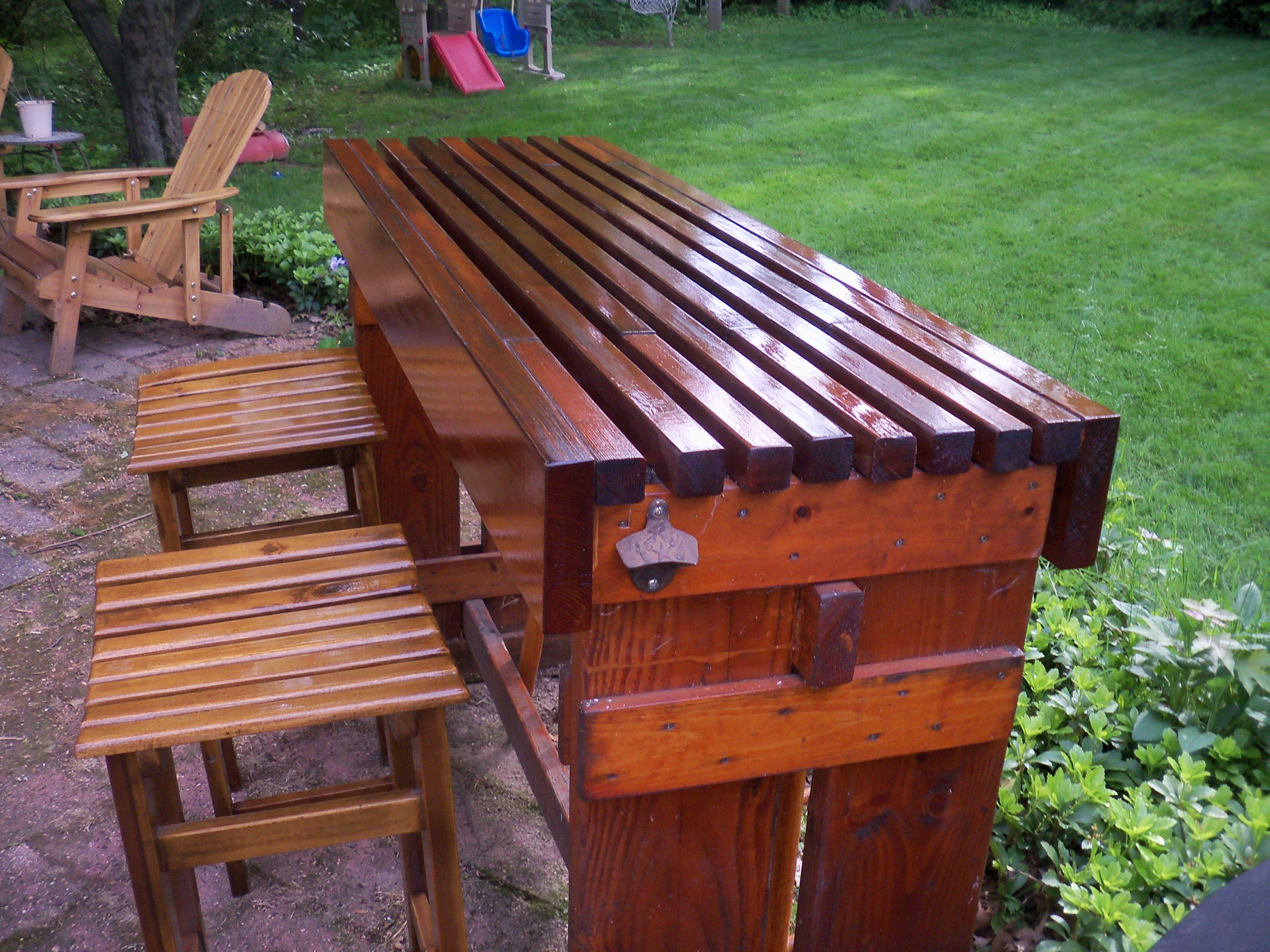 Exceptional DIY Outdoor Cedar Bar