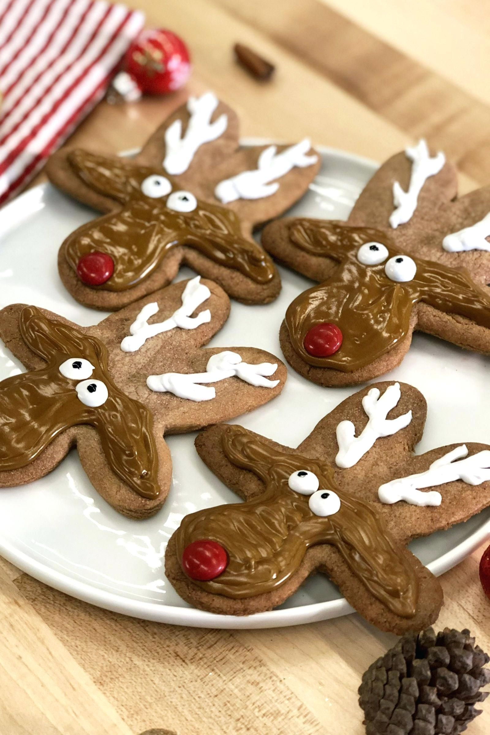24 Chewy and Cute Christmas Cookies Gingerbread cookies