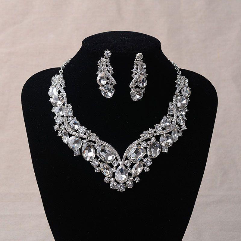 여성의 패션 한국어 유럽 스타일의 웨딩 보석 귀걸이 기하학적 크리스탈 목걸이 세트 신부 보석 세트