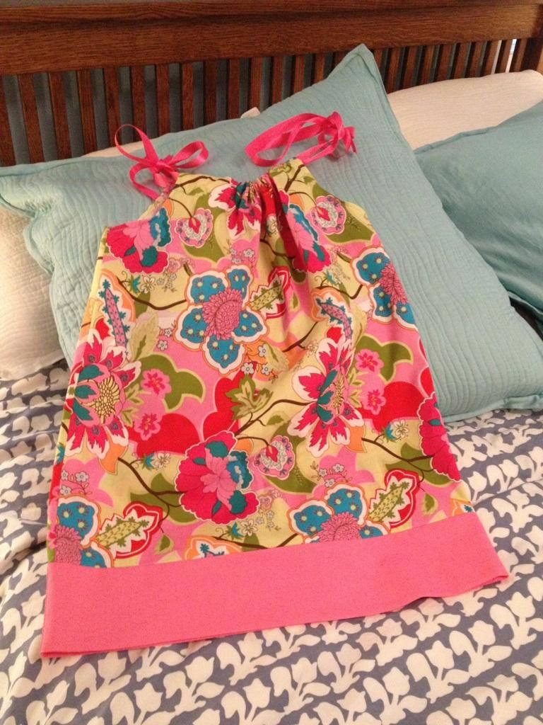 A super cute, super easy pillow case dress!  It's so Easy pattern 2228. Love this style!
