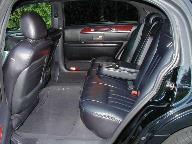The Inside Of A Current Lincoln Town Car Lincoln Luxury