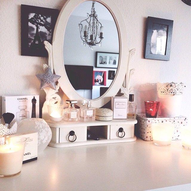 #ShareIG Hello December!  #december #advent #first #cozy #room #interior #cozy #vielzugemütlichumzulernen #mirror