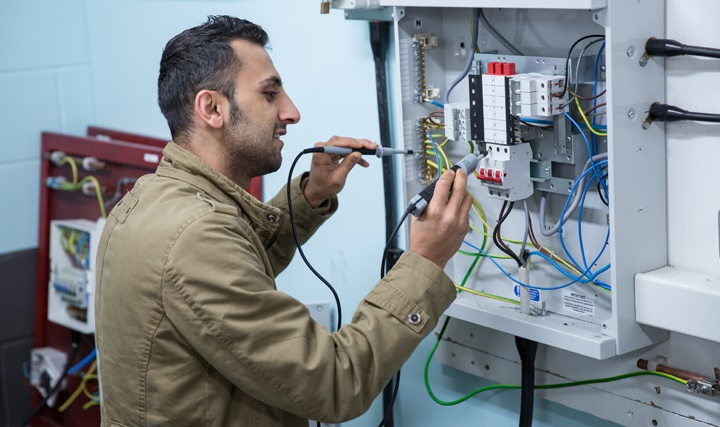 Hire professional Electrician in 2020 Electrician