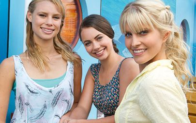Mako mermaids cast left lyla middle nixie and right for H2o just add water cast