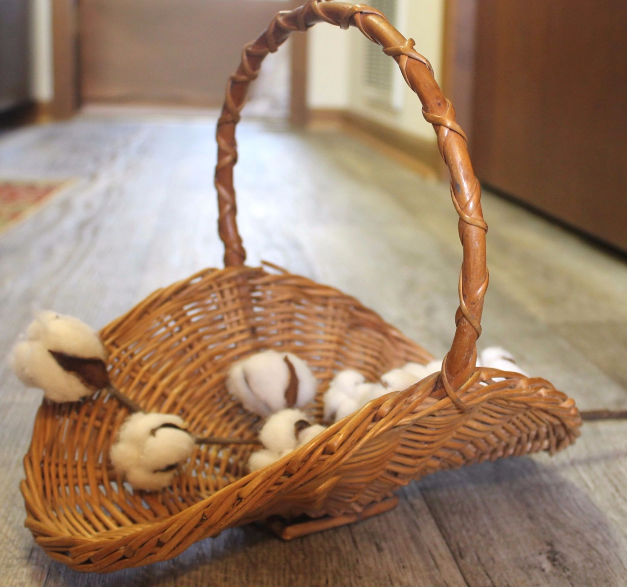 Antique farmhouse style basket FOR SALE! Check out my page