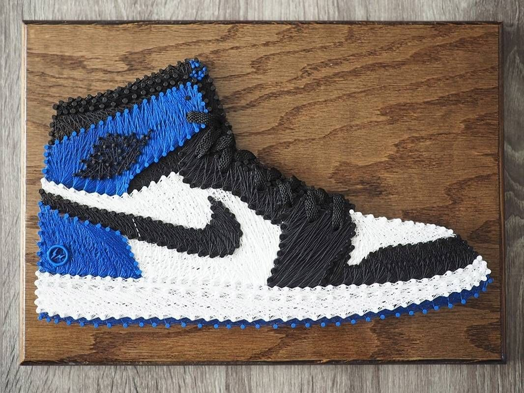 Check out this incredible string art by the talented @bigasianchris at  @solestitches. #