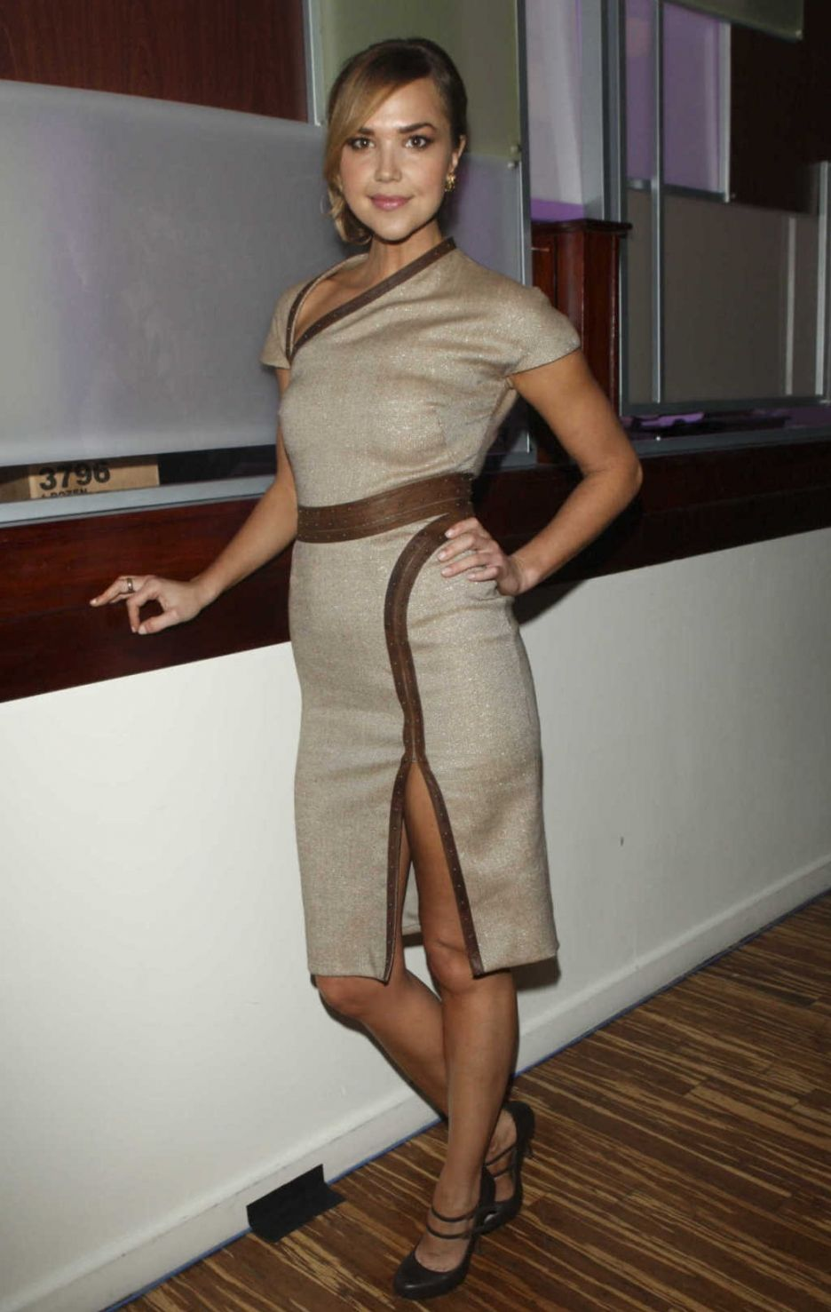 Arielle Kebbel Bra Size and Body Measurements | Arielle ...