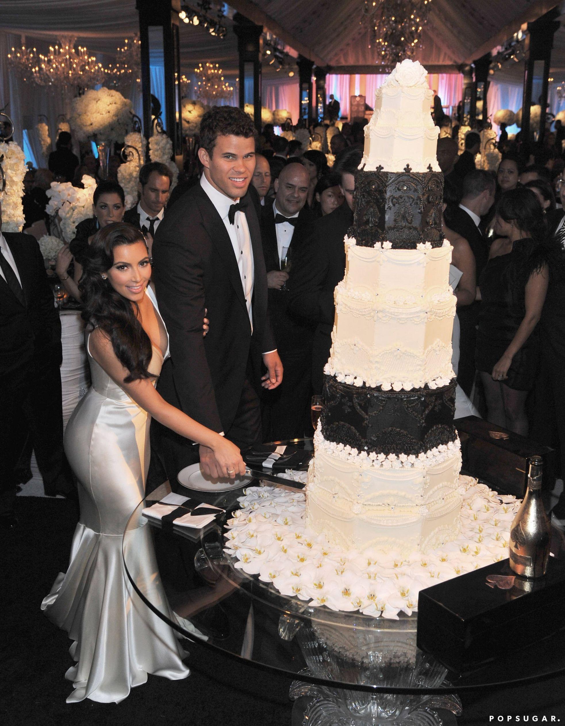 Kim Kardashians Wedding Cake Is So Famous But Why Kim Kardashian Wedding Kardashian Wedding Celebrity Weddings [ 2523 x 1966 Pixel ]