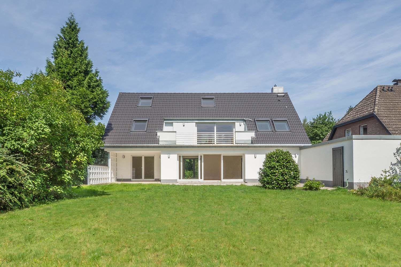 Haus In Haus Hochwertig Sanierte 4 Zimmer Wohnung Mit Garten Wohnung Mit Garten 4 Zimmer Wohnung Wohnung