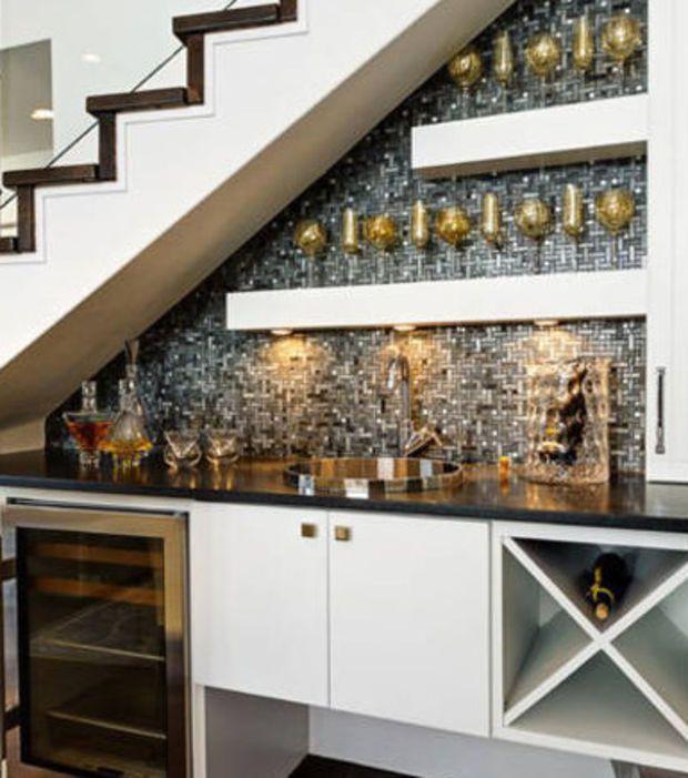 Schon Einmal Eine Kuche Unter Der Treppe Gesehen Kellerumbau Design Fur Zuhause Treppenspeicher