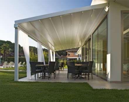 Flexible Terrassenüberdachung, die vor Sonne und Regen schützt - garten terrasse uberdachen