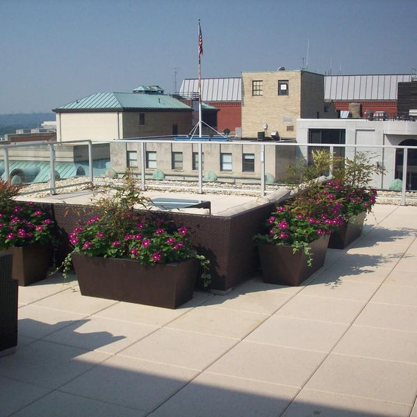 Luxury Apartments | Rooftop Deck | Next to The White House | by GLS – Northwest