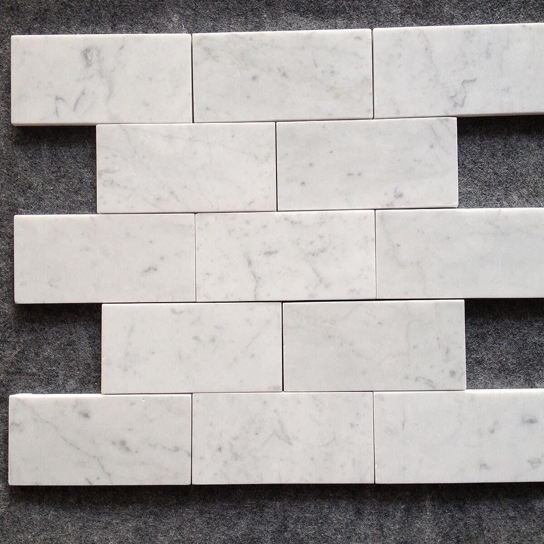 Material Italian Carrara 3 x 6 subway